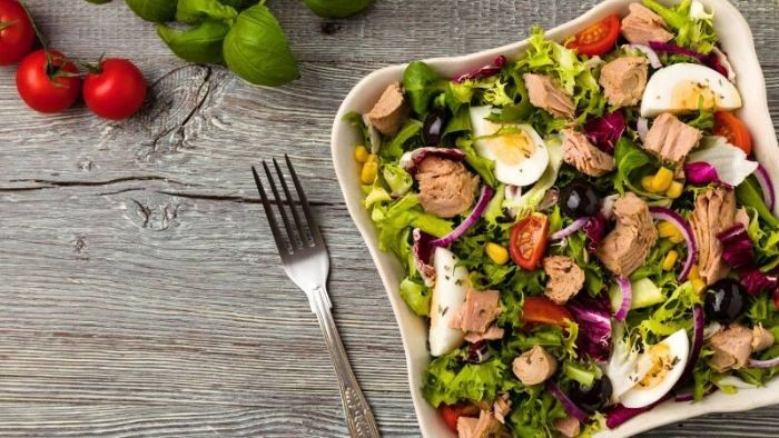 Salad cá hồi – món ăn lạ, ngon và đẹp mắt
