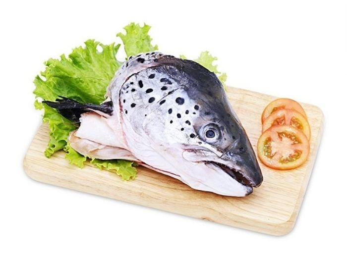 Đầu cá hồi chứa rất nhiều dưỡng chất cần thiết cho sức khỏe
