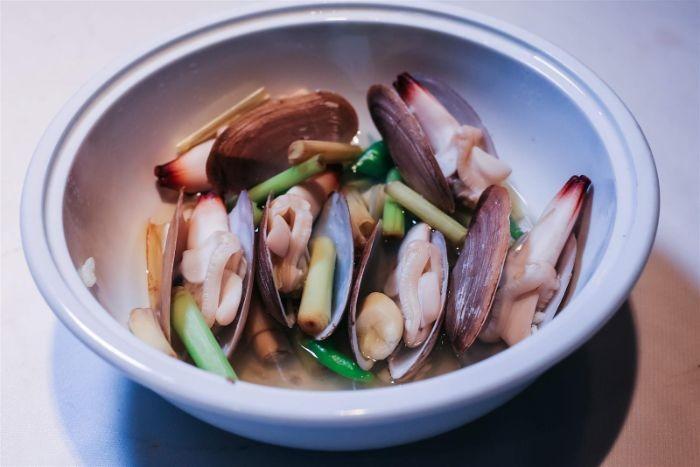 Món ăn được chế biến từ ốc tu hài (ốc vòi voi) giúp vẫn cân bằng dinh dưỡng cho các thành viên trong gia đình