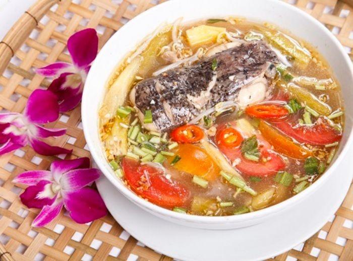Cá tầm nấu mẻ là món ăn dân giã có hương vị hấp dẫn được rất nhiều người yêu thích