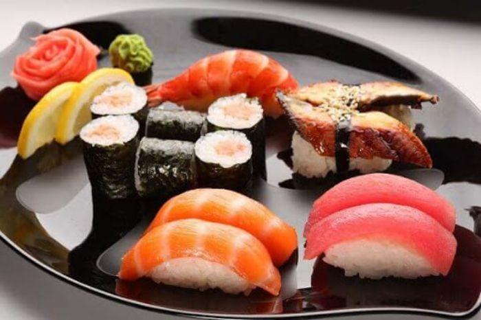 Sushi tôm là một trong những loại sushi được nhiều người yêu thích