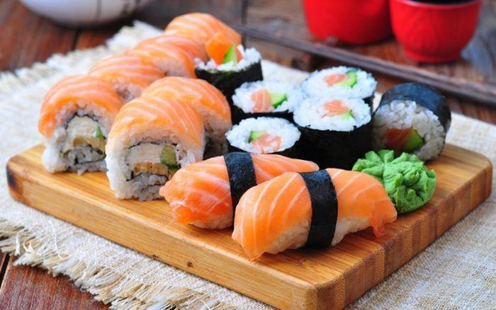 Sushi là một món ăn truyền thống của Nhật Bản vô cùng lâu đời